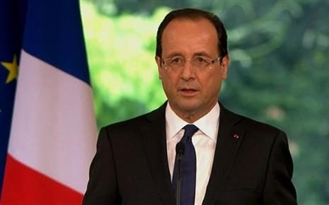 Hollande met la réforme de l'assurance vie au service des entreprises